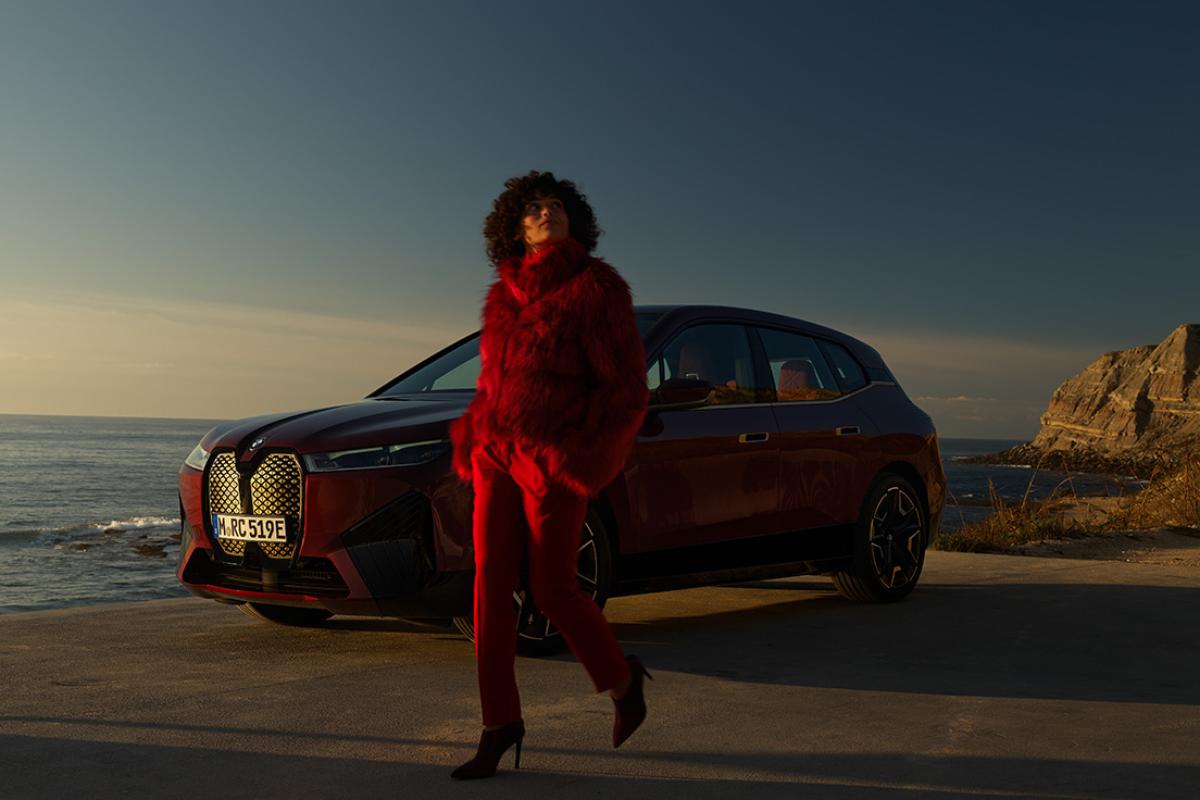 Auto Garant POTPUNO NOVI BMW iX. PIONIR NOVOG DOBA.